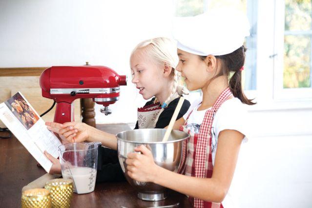 Afbeeldingsresultaat voor kind kookt